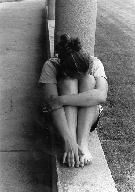 waiting,girl,alone,apart