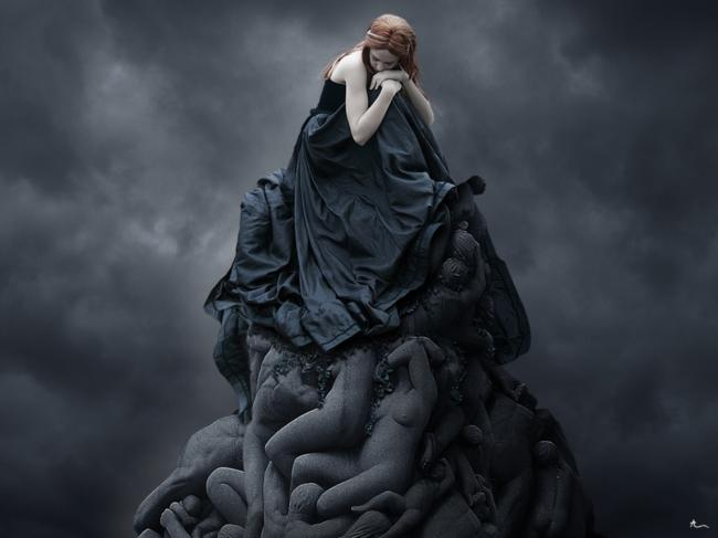 dark,gloomy,girl,sad